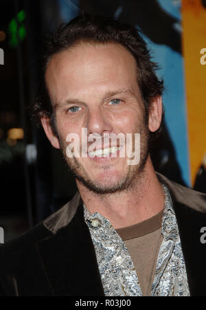 Peter Berg arriving at the Smokin' Aces at the Chinese Theatre In Los Angeles. January 18, 2007.  eye contact smile portrait headshot BergPeter048 Red Carpet Event, Vertical, USA, Film Industry, Celebrities,  Photography, Bestof, Arts Culture and Entertainment, Topix Celebrities fashion /  Vertical, Best of, Event in Hollywood Life - California,  Red Carpet and backstage, USA, Film Industry, Celebrities,  movie celebrities, TV celebrities, Music celebrities, Photography, Bestof, Arts Culture and Entertainment,  Topix, headshot, vertical, one person,, from the year , 2007, inquiry tsuni@Gamma-U - Stock Photo