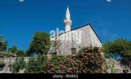 BOSNIA-HERZEGOVINA. Built 1552, the Cejvan-Cehaya mosque is zhe oldest islamic sanctuary in Mostar. - Stock Photo