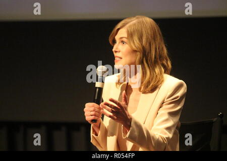 New York, USA. 1st November, 2018. Actor Rosamund Pike speaks after a screening of her film 'A Private War' about war correspondent Marie Colvin.  Photo: Matthew Russell Lee / Inner City Press Credit: Matthew Russell Lee/Alamy Live News - Stock Photo