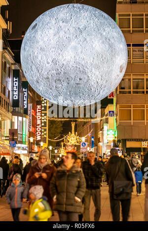 Essen Light Festival, Lichtkunst Installationen in der Innenstadt von Essen, Museum of the Moon, großer leuchtender Mond aus NASA Fotos, Kettwiger Str - Stock Photo