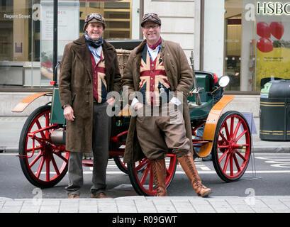 London, UK. 3 November 2018. Veteran Cars on display at the Regents Street Motor show London W1 03/11/2018 Credit: Martyn Goddard/Alamy Live News - Stock Photo