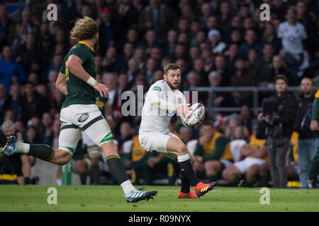 London, UK.  03rd Nov, 2018. Twickenham, United Kingdom, Saturday, 3rd November 2018, RFU, Rugby, Stadium, England, Elliot DALY, attacking, during the Quilter, Autumn International, England vs South Africa, Credit: Peter SPURRIER/Alamy Live News - Stock Photo