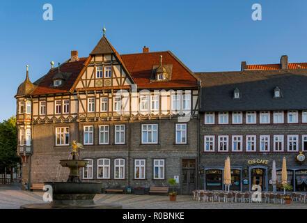 Half-timbered house on the market square in Goslar, UNESCO World Heritage Site, Goslar, Harz, Lower Saxony, Germany, Europe