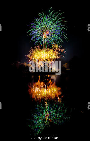 Tunbridge Wells, Kent, UK. 3rd November, 2018. Fireworks in Royal Tunbridge Wells, Dunorlan Park, Kent - hosted by Tunbridge Wells Round table - raising money for local charities Credit: Sarah Mott/Alamy Live News - Stock Photo