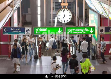 BANGKOK, THAILAND, SEPTEMBER 23, 2016 : Passengers are transiting in the skytrain hall in Bangkok, Thailand - Stock Photo