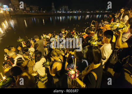 CHIANGMAI THAILAND NOVEMBER 28  : thai people releasing floating offerings  in Loy Krathong and Yi Peng Festival on november 28, 2012 Chiangmai, Thail