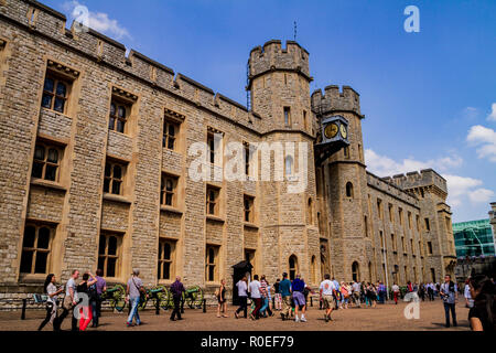 London, England, UK May 18,2018: People entering the Tower of London on a sunny day - Stock Photo