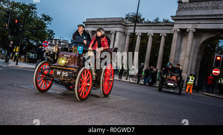 Bonhams London to Brighton Veteran Car Run 2018 at Hyde Park - Stock Photo