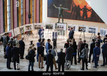 United Nations, New York, USA, November 02, 2018 - Vassily Nebenzia, Permanent Representative of Russian Federation to the UN, makes remarks at the opening of the exhibit of 2018 Winners of the Andrei Stenin International Press Photo Contest along with Alison Smale, Under-Secretary-General or Global Communications and Andrey Blagodyrenko, CEO of the 'Rossiya Segondnya' News Agency today at the UN Headquarters in New York City. Photos: Luiz Rampelotto/EuropaNewswire | usage worldwide - Stock Photo