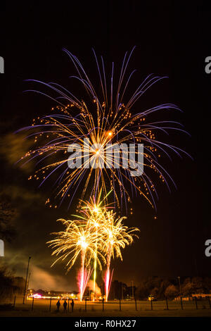 Aberystwyth Wales UK, November 5th 2018 The traditional charity fund-raising Guy Fawkes night fireworks display , held by the local branch of the Round Table, on the Aberystwyth rugby club pitch.  Photo credit: Keith Morris / Alamy Live News - Stock Photo