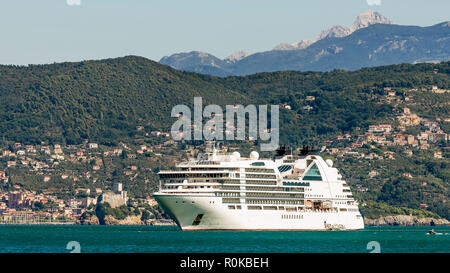 Panoramic view of the Gulf of poets with cruise ship and the Castle of Lerici in the background, Liguria, Italy - Stock Photo