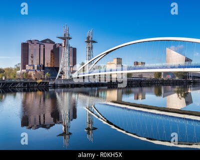 2 November 2018: Salford Quays, Manchester, UK - The Lowry Bridge, or Millennium Footbridge, which spans the Manchester Ship Canal between Salford and - Stock Photo