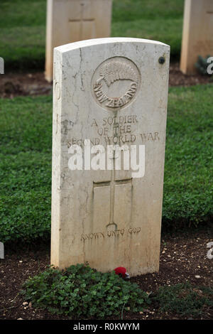 Grave of unknown Kiwi soldier British and Commonwealth  War Graves Cemetery Monte Cassino, Italy - Stock Photo