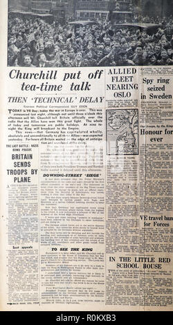 'Churchill put off tea-time talk'  Daily Express VE Day Second World War 2 WWII archive Daily Express newspaper article London England UK 8 May 1945 - Stock Photo