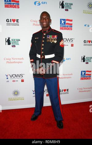New York, NY, USA. 5th Nov, 2018. Kionte Storey at arrivals for 12th Annual Stand Up For Heroes New York Comedy Festival Kick Off, Hulu Theater at Madison Square Garden, New York, NY November 5, 2018. Credit: Jason Mendez/Everett Collection/Alamy Live News - Stock Photo