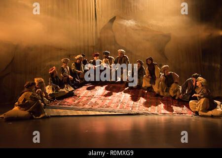 Serapions-Ensemble im Odeon, 'Rauschen der Flügel', 2017, eine Produktion des Serapions Ensembles unter der Leitung von Erwin Piplits, Mario Mattiazzo - Stock Photo
