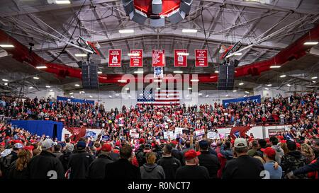 U.S President Donald Trump, addresses a rally of supporters on the eve of mid-term elections at Southport High School November 2, 2018 in Southport, Indiana. - Stock Photo