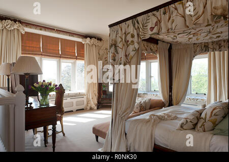 Four poster bed in Carlton Towers in Yorkshire - Stock Photo