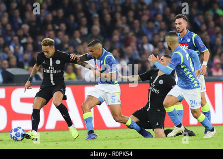 Napoli, Campania, Italy, 2018-11-06, UEFA Champions league SSC Napoli - Paris Saint Germain in pictures  Allan and Neymar Credit: Antonio Balasco/Alamy Live News - Stock Photo