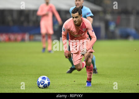 Milan, Italy. 6th Nov 2018. Philippe Coutinho of Barcelona during the UEFA Champions League Group Stage match between Inter Milan and Barcelona at Stadio San Siro, Milan, Italy on 6 November 2018. Photo by Giuseppe Maffia. Credit: UK Sports Pics Ltd/Alamy Live News - Stock Photo