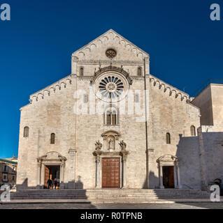 Cathedral (Duomo di Bari or Cattedrale di San Sabino), 13th century, Apulian Romanesque style, in Bari, Apulia, Italy - Stock Photo