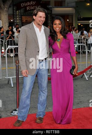 Marc Blucas and Gabrielle Union  -  Meet Dave premiere at the Westwood Village Theatre in Los Angeles.   full length smile          -            Union - Stock Photo