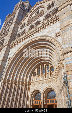 London, South Kensington.  The Romanesque main entrance of the Natural History Museum in Cromwell Road. - Stock Photo