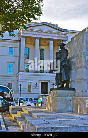 The original St Georges Hospital building at Hyde Park Corner, is now occupied as the exclusive luxury hotel 'The Lanesborough' . London, England, UK. - Stock Photo