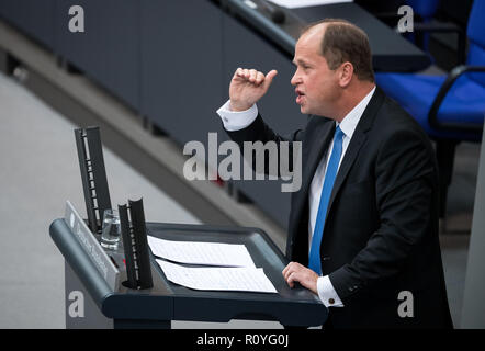 Berlin, Germany. 08th Nov, 2018. Joachim Stamp (FDP), Deputy Prime Minister of North Rhine-Westphalia, will speak during the plenary session of the German Bundestag. Topics of the 61st session of the 19th legislative period include the pension package introduced by the Federal Government, additional safe countries of origin, tax relief for families, changes in asylum law, accelerated traffic planning and a current hour on the INF (Intermediate Range Nuclear Forces) nuclear disarmament treaty. Credit: Bernd von Jutrczenka/dpa/Alamy Live News - Stock Photo