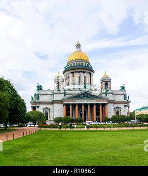 St. Isaac's Cathedral St Petersburg saint Russian Sankt Peterburg, formerly (1914–24) Petrograd and (1924–91) Leningrad, city and port, extreme northw - Stock Photo