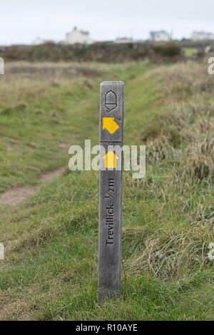 signpost, South West Coast Path near Tintagel, Cornwall, England, Great Britain - Stock Photo