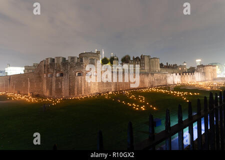 10000 lights at the Tower of London. Remembering the people who died in World War I. 2018 is the 100th year since the end of the war. - Stock Photo