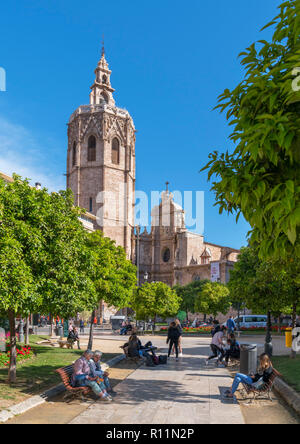 Valencia, Spain. Plaza de la Reina looking towards Valencia Cathedral and the Miguelete Tower, Valencia, Spain - Stock Photo