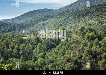 View of the valleys and mountains near the village of Tourrette Levens in the department of Alpes-Maritimes in Franxe - Stock Photo