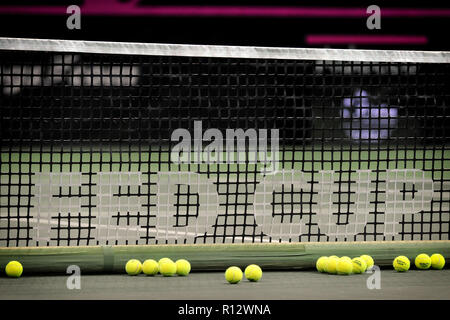 Prague, Czech Republic. 8th Nov, 2018. Features with balls and net of the 2018 Fed Cup Final between the Czech Republic and the United States of America in Prague in the Czech Republic. The Czech Republic will face United States in the Tennis Fed Cup World Group on 10 and 11 November 2018. Credit: Slavek Ruta/ZUMA Wire/Alamy Live News - Stock Photo