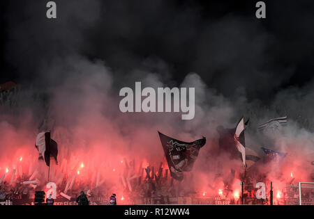 Nikosia, Cyprus. 08th Nov, 2018. Soccer: UEFA Europa League, Group H, Matchday 4, Apollon Limassol - Eintracht Frankfurt in GSP Stadium: The fans of Eintracht burn down pyrotechnics. Credit: Angelos Tzortzinis/dpa/Alamy Live News - Stock Photo
