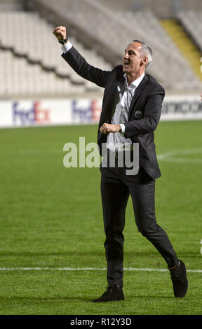 08 November 2018, Cyprus, Nikosia: Soccer: UEFA Europa League, Group H, Matchday 4, Apollon Limassol - Eintracht Frankfurt in GSP Stadium:  Frankfurt coach Adi Hütter rejoices after the 2:3 victory. Photo: Angelos Tzortzinis/dpa - Stock Photo