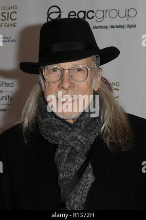 Westbury, United States. 08th Nov, 2018. WESTBURY, NY - NOV 8: Songwriter Elliot Murphy attends the 2018 Long Island Music Hall of Fame induction ceremony at The Space at Westbury on November 8, 2018 in Westbury, New York. Credit: The Photo Access/Alamy Live News - Stock Photo