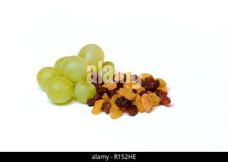 Sultanine, Rosinen und Weintrauben - Stock Photo