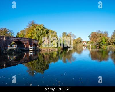 Sonning Bridge, River Thames, Sonning, Reading, Berkshire, England, UK, GB. - Stock Photo