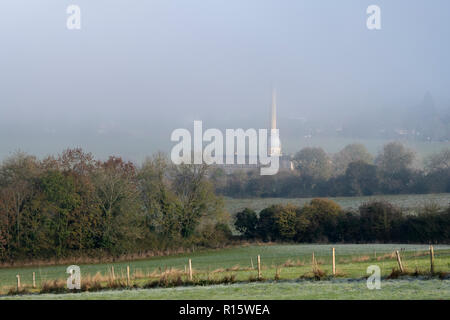 Early morning fog over Bliss Tweed Mill in autumn. Chipping Norton, Cotswolds, Oxfordshire, England - Stock Photo