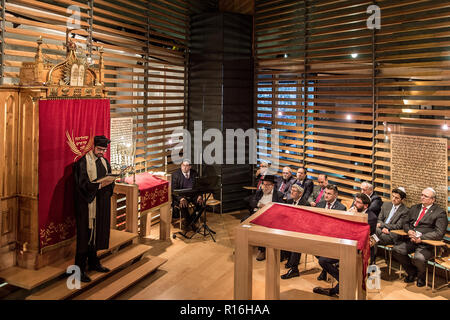 Liberec, Czech Republic. 09th Nov, 2018. The anniversary of the 1938 Kristallnacht (Crystal Night) anti-Jewish pogrom in November 1938, when the synagogue in Liberec (then Reichenberg in German) was burnt down, was commemorated in a new synagogue in the town today, on Friday, November 9, 2018. Credit: Radek Petrasek/CTK Photo/Alamy Live News - Stock Photo
