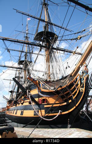 The bow and figurehead of HMS Victory - Stock Photo