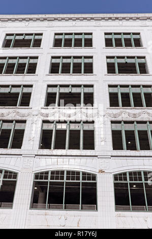The historic Halle Building in downtown Cleveland, Ohio, USA is undergoing construction and renovation as it becomes more residential space. - Stock Photo