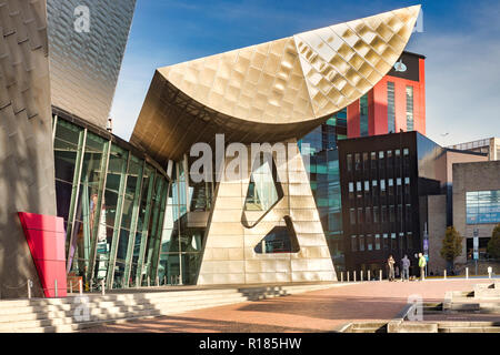 2 November 2018: Salford Quays, Manchester, UK -  The Lowry, the gallery and museum complex celebrating the life of L.S. Lowry. It was designed by... - Stock Photo
