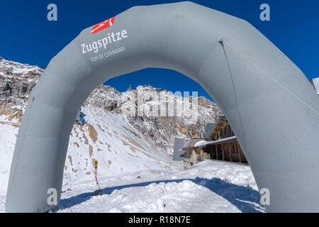 Zugspitzeplat, Zugspitze, highest peak, Garmisch-Partenkirchen, Wetterstein Gebirge or Wetterstein Mountains, the Alps, Bavaria, Germany, - Stock Photo