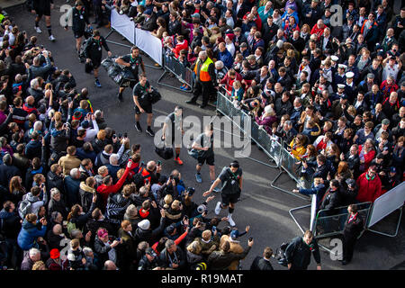 Twickenham, London, UK. 10th Nov, 2018. Rugby Union, Autumn International series, England versus New Zealand; The All Blacks arrive at Twickenham Credit: Action Plus Sports/Alamy Live News - Stock Photo