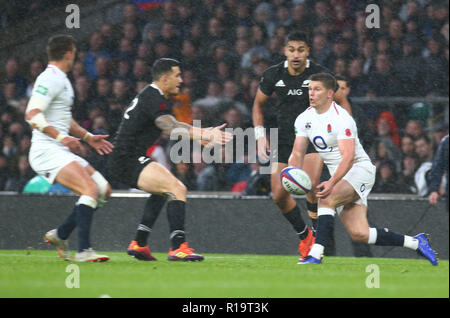 London, UK. 10th Nov, 2018. Owen Farrell of England during Quilter International between England and New Zealand at Twickenham stadium, London, England on 10 Nov 2018. Credit: Action Foto Sport/Alamy Live News - Stock Photo