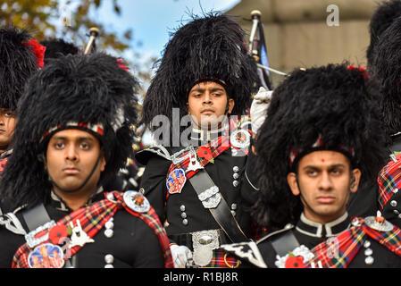 London, UK. 11th Nov, 2018. Members of the Shree Muktajeevan Swamibapa Pipe Band London (UK) rehearse near The Mall. Credit: Matthew Chattle/Alamy Live News - Stock Photo