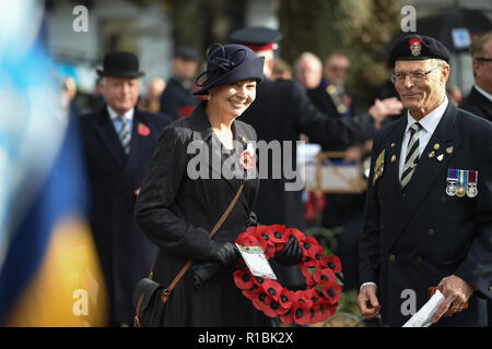 Brighton UK 11th November 2018 - Caroline Lucas the Green MP for Brighton Pavilion at the Act of Remembrance Service held at Brighton war memorial . It is the 100 year anniversary today of the ending of World War One on the 11th November 1918 . Photograph taken by Simon Dack Credit: Simon Dack/Alamy Live News - Stock Photo